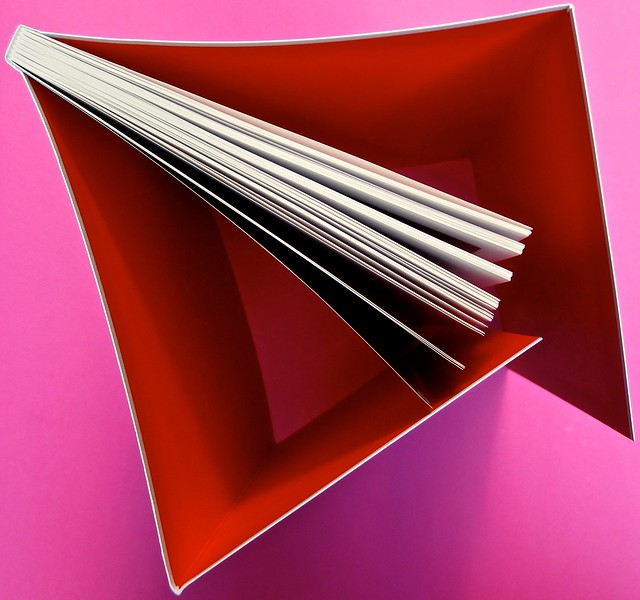 Proust. I colori del tempo, di Eleonora Marangoni. Electa 2014. Design di Paolo Tassinari e Leonardo Sommoli. Totale taglio superiore (part.), 1