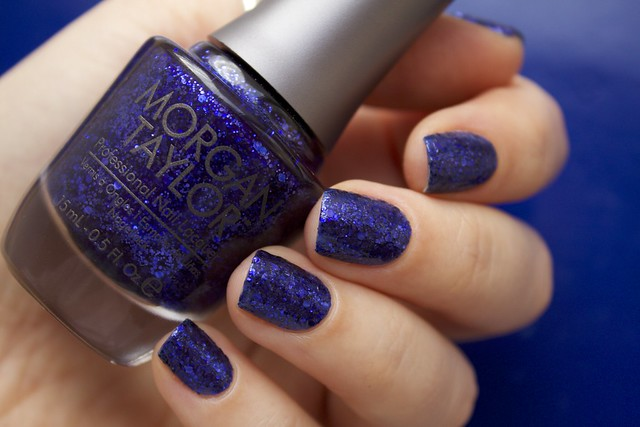 07 Morgan Taylor Regal As A Royal without topcoat