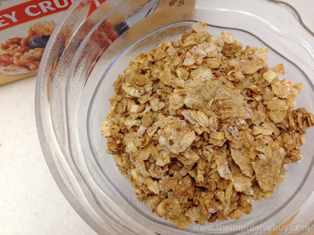 Post Honey Bunches of Oats Whole Grain Honey Crunch Closeup