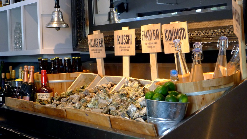 Chewies steam oyster bar vancouver kitsilano nomss for Bar food vancouver