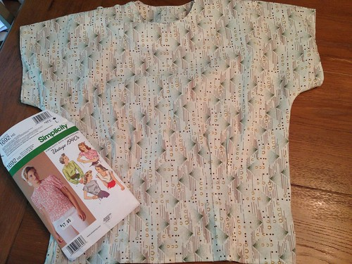 Simplicity 1692: spring top sewalong