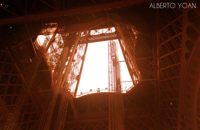 Eiffel 13