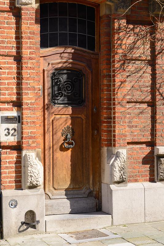 brown wooden door brussels
