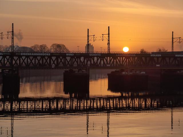Oberhafenbrücke