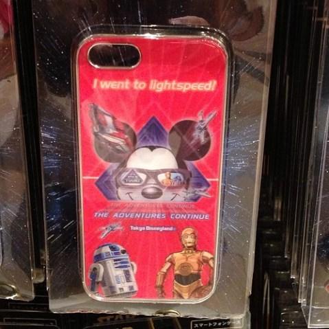 iPhoneケースは2つも。
