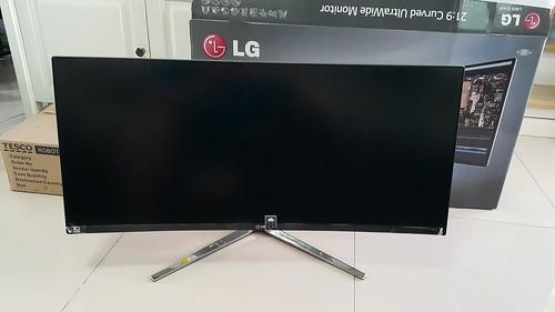 จอ LG 34UC97 21:9 Curved UltraWide ด้านหน้า