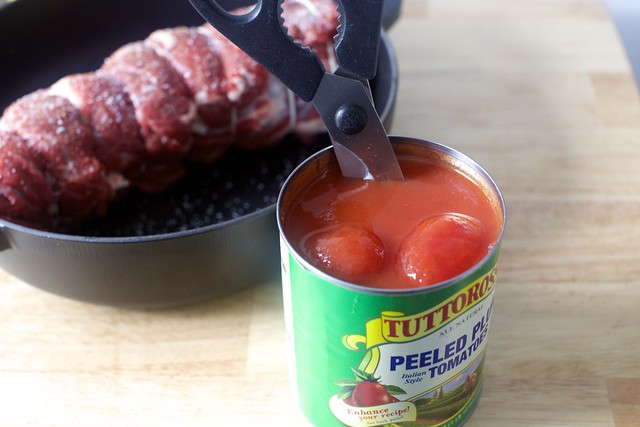 a quick chop of tomatoes