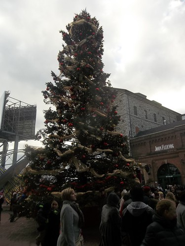 Christmas tree in the Distillery District (2)