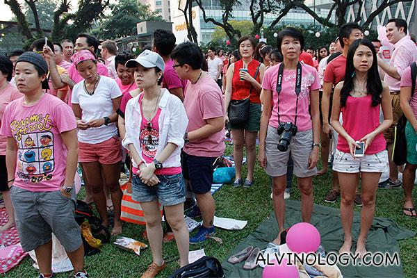 Group singing of our national anthem, Majulah Singapura