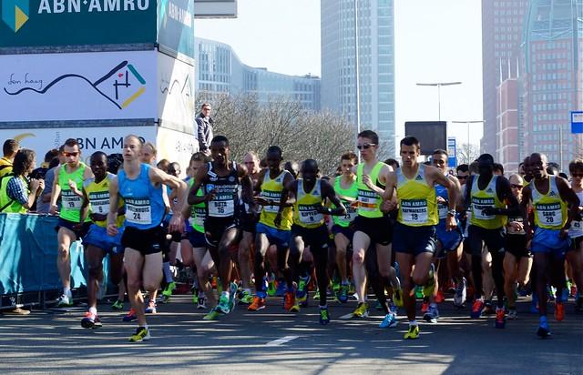 De start van de halve marathon. Foto door Roel Wijnants, op Flickr.