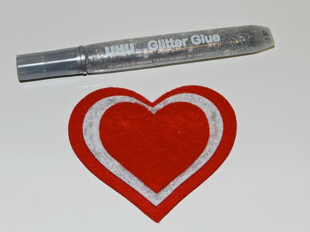 idee regalo  per san valentino - cuore in feltro