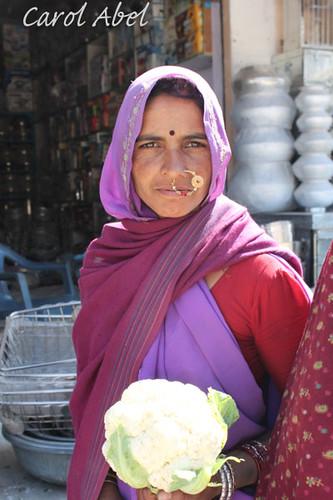 IMG_1537-Udaipur-to-Ranakpur-woman-nose-ring-sig