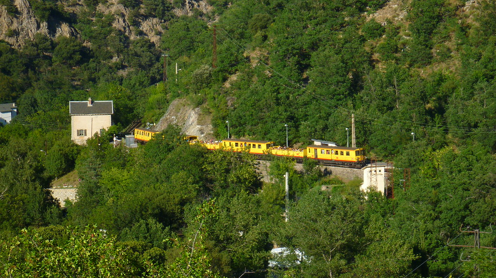 Gorges de Caranca, Le Petit Train Jaune, The little yellow train