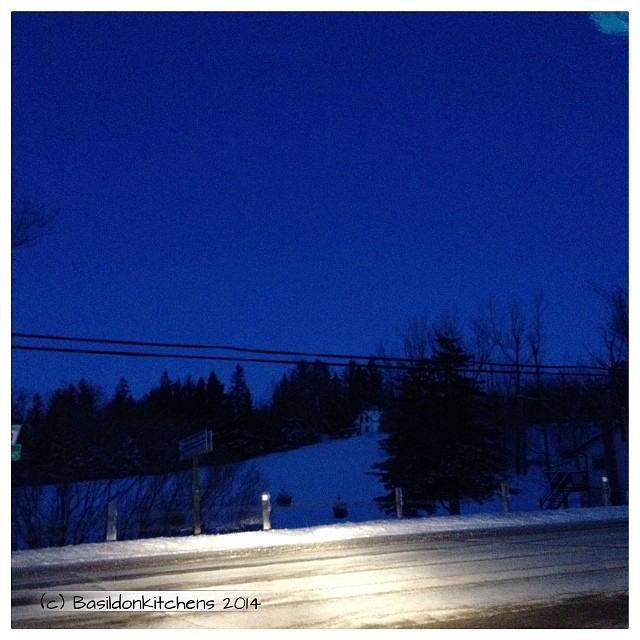 21/1/2014 - blue {this morning's sky, just before dawn; on my way to work} #fmsphotoaday #blue #sky #morning #princeedwardcounty