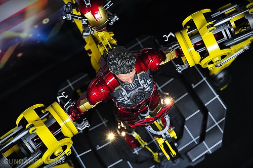 Hot Toys Iron Man 2 - Suit-Up Gantry with Mk IV Review MMS160 Unboxing - day3 (70)