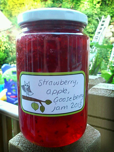 strawberry, apple and gooseberry jam