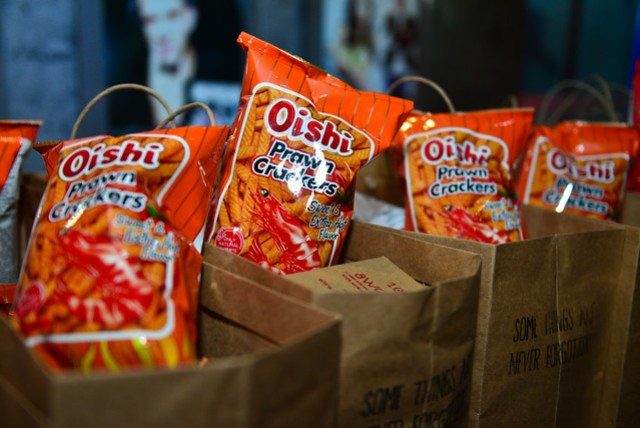 Guests took home Oishi goodie bags filled with their favorite Prawn Crackers.