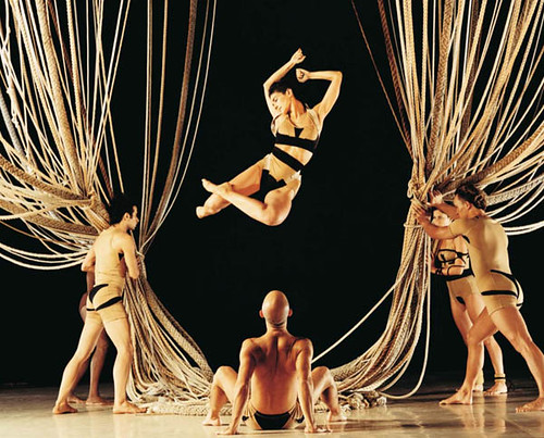 Espetáculo NÓ, em foto de Flavio Colker