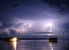 ベネズエラのマラカイボ湖が「稲妻世界最多」でギネス世界記録に認定!!1時間に3600本の落雷が発生!!