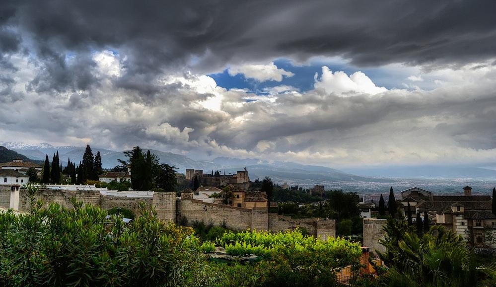 8. Barrio del Albaicín y la Alhambra. Autor, R. Fernández