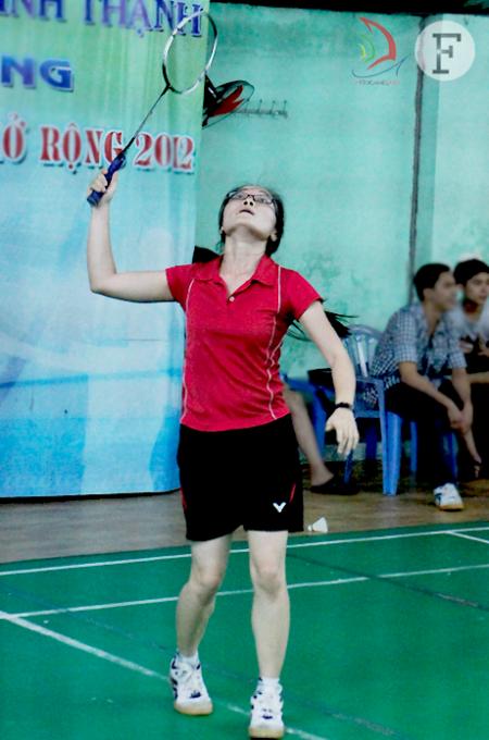 Khó khăn theo đuổi set đấu, Diệu Hân dường như không là đối thủ của Hồng Hạnh