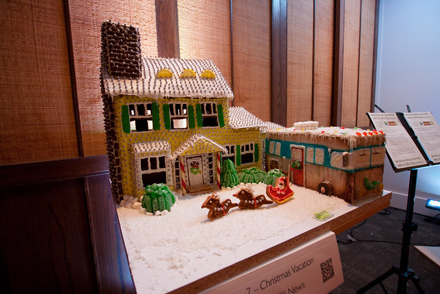 Gingerbread House 2013-3561