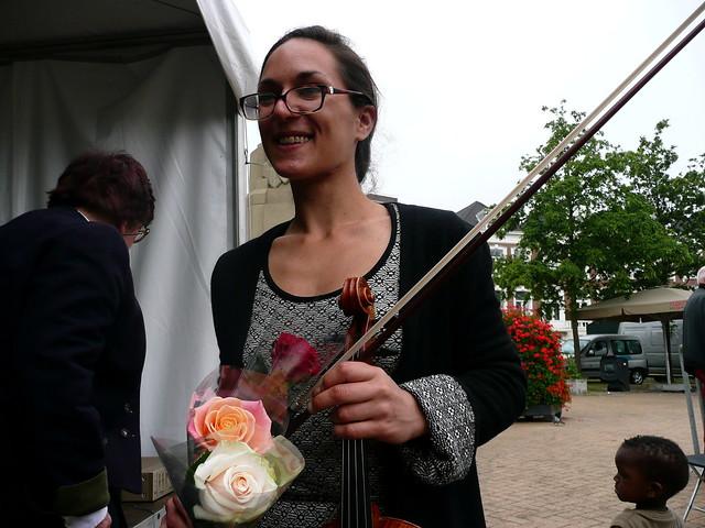 Maya Felixbrodt on violin.