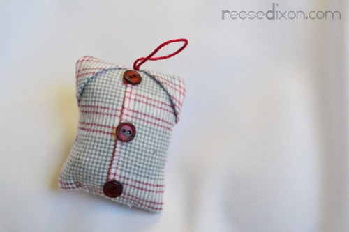 Flannel Shirt Ornament Tutorial