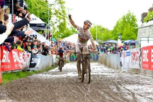 Weltnummer 1 Nino Schurter (CH) und Weltnummer 2 Julien Absalon (FRA) bieten sich einmal mehr ein hochkarätiges Duell am BMC Racing Cup in Solothurn. Bild: Michael Suter