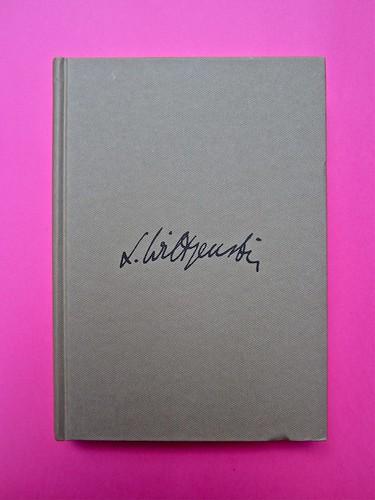 Michael Nedo (a cura di), Una biografia per immagini. Carocci 2013. Progetto grafico di Shoko Mugikura e Michael Nedo. Falcinelli & co. per l'ed. it. Prima di coperta (part.) 1