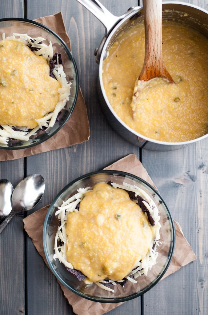 Grits for meatless (and gluten-free) Mexican chili and cheddar grits super bowls