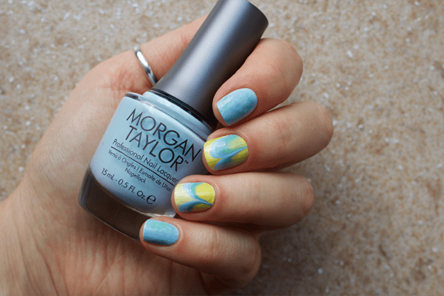 02-water-marble-nails-essie-bikini-so-teeny-morgan-taylor-water-baby