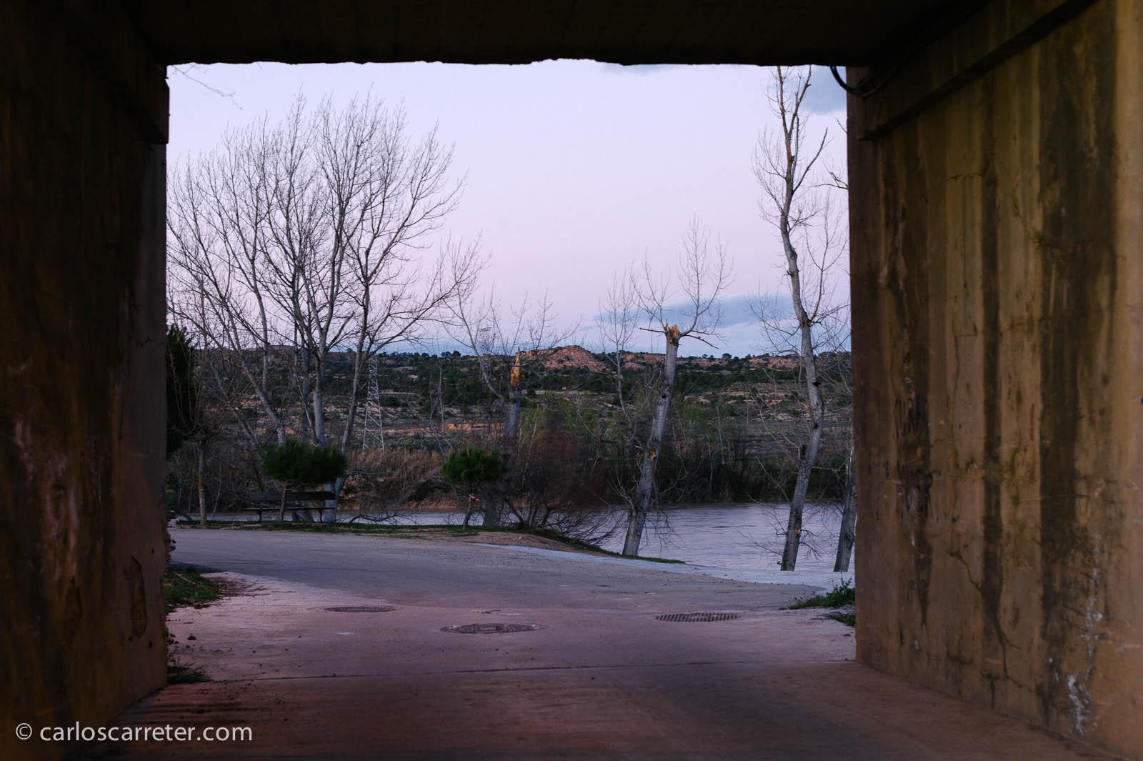Paso bajo la antigua vía ferroviaria