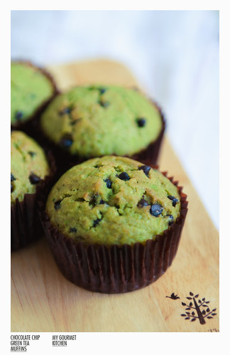 chocolate chip green tea muffins