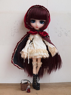Pullip_Bloody_red_hood_(Lolii_version)