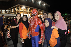 Brunei_BSB_Spiderman_posing_with_the_group_Armie