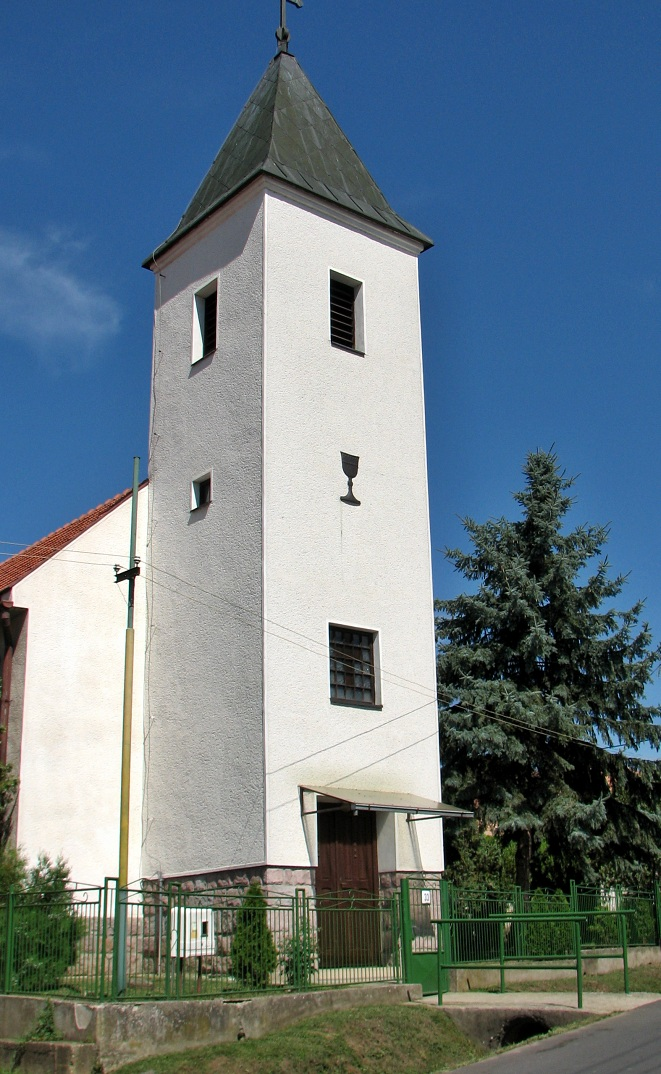 Evanjelický kostol v Leseniciach