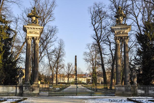 POTSDAM - Park Sanssouci - Obeliskportal