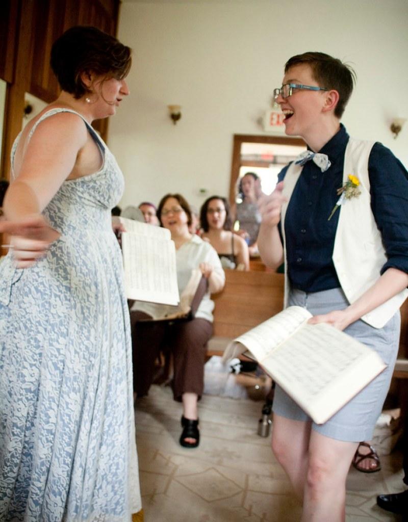 singing_44 newlyweds