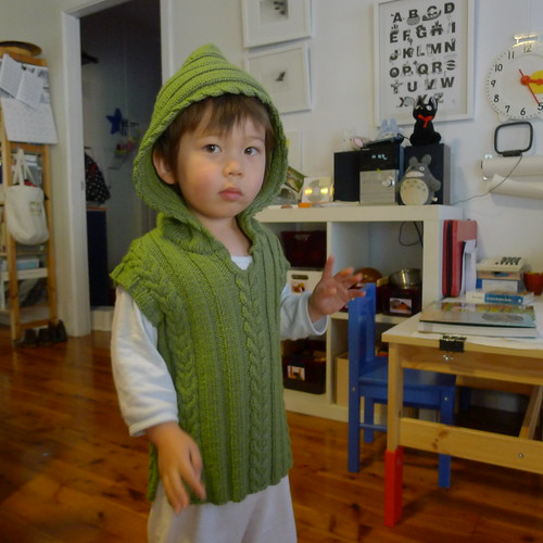 Cable vest with hood