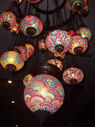 201111180105-mosaic-lamps
