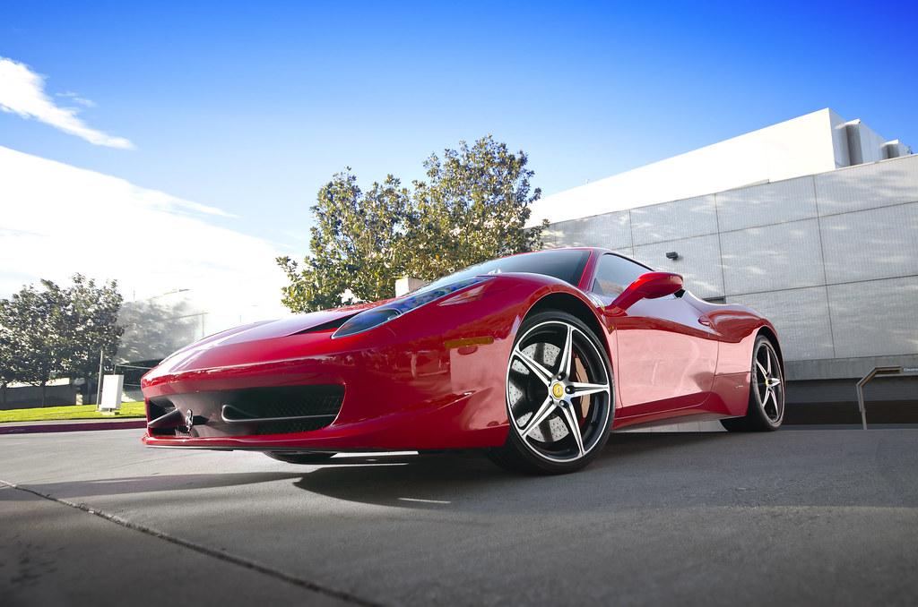 Foto gratis de un Ferrari Italia 458