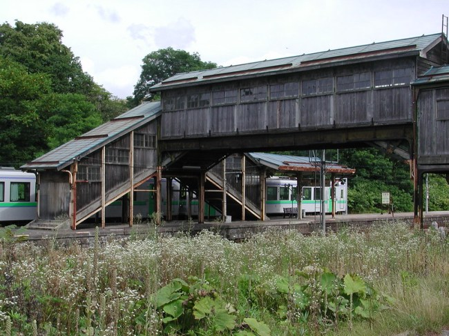 2004-08-20_13.22.25_共和町小沢駅_hokkaido_japan