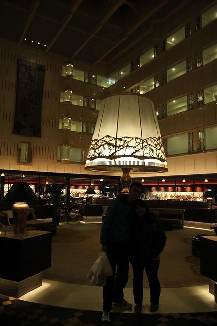 飯店裡超大型檯燈