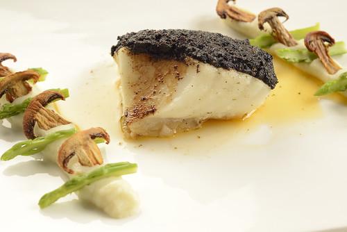 Sundried Tomato Crusted Sea Bass with Cauliflower Puree