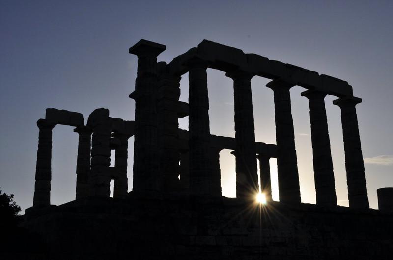Silueta del Templo de Poseidón en el cabo Sounion, en el atardecer Cabo Sounion Cabo Sounion y el Templo de Poseidón 12173826363 c47ffd53e3 c