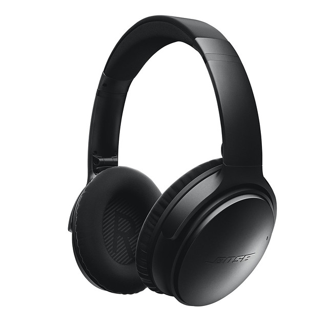 QuietComfort_35_wireless_headphones_-_Black