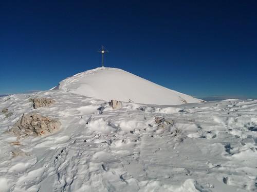 Skier abschnallen, zum Gipfel des Dürrenstein geht es zu Fuß