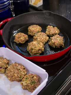 Cooking Turkey Apple Breakfast Sausages in a skillet