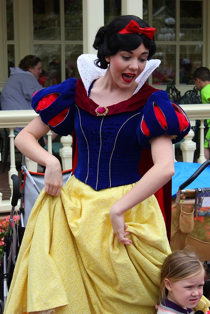 Snow White plays Duck Duck Goose at Magic Kingdom